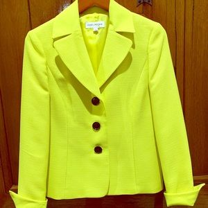 NWT Evan Picone yellow blazer